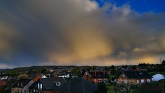 Bonsoir (Yasmine Hens) Tags: clouds europa flickr belgium ngc soir namur hens yasmine mto wallonie iamflickr flickrunitedaward sonyilce7 hensyasmine