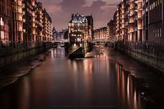 Wasserschloss_Hamburg (PrHoObTiOn) Tags: city nacht hamburg dmmerung hafen wasserschloss