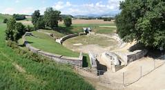 Catelleone di Suasa - Anfiteatro (www.turismo.marche.it) Tags: arte mosaico marche ancona anfiteatro storia mosaici scavi provinciadiancona reperti castelleone castelleonedisuasa destinazionemarche