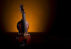 6cm Violin (www.productphotostudio.co.uk) Tags: macro miniature musical violin instruments