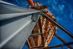 Its big (camerito) Tags: blue sky clouds wooden flickr silo blauerhimmel j4 nikon1 ausholz leichtbewlkt camerito