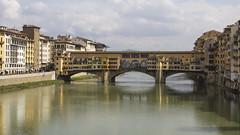 Ponte Vecchio (Rene Stannarius) Tags: ponte firenze arno brcke fluss florenz vecchio toskana spiegelungen