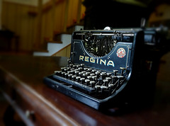 Vintage typemachine (Eye Kid) Tags: grandma love vintage photo heart earth evolution tecnology