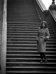 Film Noir (pixel-art) Tags: blackandwhite stairs canon women outdoor n hp5 f28 onlocation mamiya645 80mm onfilm sekor silverfast fomadon lqn f8800