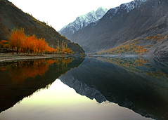 Khalti Lake (NotMicroButSoft (Fallen in Love with Ghizar, GB)) Tags: autumn pakistan lake nature gb hindukush ghizar kaashmir khaltilake khalti gilgitbaltistan
