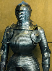 Fluted 'Maximilian' armour, 16th century (Arutemu) Tags: uk greatbritain england london history museum canon arms unitedkingdom britain gothic medieval armor knight warrior historical armour wallacecollection renaissance weapons knightly f40 6d 24105 eos6d