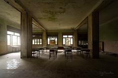 Sur les banc de lait colle (www.jeanpierrerieu.fr) Tags: urban abandoned italia decay il forbidden forgotten colonia italie urbex urbaine abandonné collège friche wwwjeanpierrerieufr