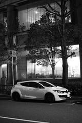 DSC_1862 (Zengame) Tags: japan night tokyo nikon df renault   nikkor megane  meganers     afs58mmf14g afsnikkor58mmf14g meganerscups rs rscups