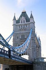 Tower Bridge from North Side (Matthew Huntbach) Tags: london towerbridge fujivelvia50