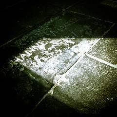 Johannes Vermeer (MastaBaba) Tags: church netherlands grave stone delft vermeer nl oudekerk zh johannesvermeer 20160317