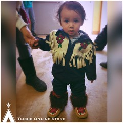 How adorable! Loved his whole outfit jacket, & #mukluks. Taken at the #Handgames in #Behchoko (Tlicho Online Store) Tags: handgames mukluks behchoko