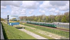 20160423 Mat '54 766, Zoetermeer (89133) (Koen Brouwer) Tags: 766 mat54 trein train zug station gare bahnhof zoetermeer brug reclamebord a12 snelweg april 2016 proefrit 89133 koenbrouwer koen brouwer