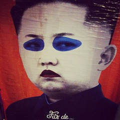 Kim (tangi_bertin) Tags: paris publicité affiche coréedunord coreedunord kimjungun filsducalvaire filsducalvaires