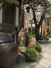 Insadong, Seoul (GothPhil) Tags: building architecture march traditional courtyard seoul historical southkorea teahouse insadong 2016