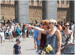 .segui la via. (zioWoody) Tags: rome roma via vaticano sanpietro dito piazzasanpietro cittdelvaticano seguilavia