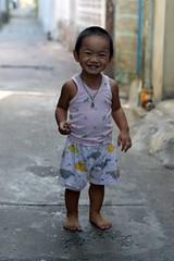 grinning toddler (the foreign photographer - ) Tags: smiling portraits thailand nikon toddler bangkok grinning bang bua khlong bangkhen d3200 apr92016nikon
