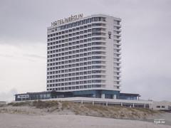 Hotel Neptun, Warnemnde (hjakse) Tags: de warnemnde ddr tyskland ostsee rostock intershop mecklenburgvorpommern neptun siab ostseebad interhotel