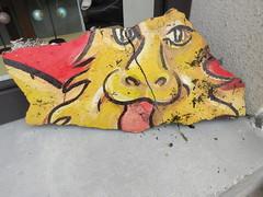 La Normandie attaque ! (Pierre Marcel) Tags: destruction tube lion peinture normandie gant eure normand blason lopard attaque impressionniste routegiverny sculpturesurroute