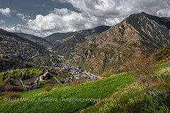 Andorra rural: Sant Julia, Gran Valira, Andorra (lutzmeyer) Tags: pictures panorama mountains nature rural sunrise landscape spring photos border natur abril natura paisaje images berge fotos april ciclista catalunya landschaft sonnenaufgang andorra bilder pyrenees overview frhling montanas pirineos pirineus paisatge pyrenen imatges muntanyes frhjahr berblick granvalira nagol certes sortidadelsol rutaciclista canoneos5dmarkiii aixirivall santjuliadeloriaparroquia santjuliacity certers lutzmeyer lutzlutzmeyercom lamuxella puidolivesasantjulia elvedatsantjulia