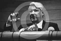 Boris Yeltsin, Hospital de Barcelona - Barcelona, 1990 (Peter CS65 (Barcelona 1990-2000)) Tags: barcelona hospital boris operation 1990 hernia yeltsin