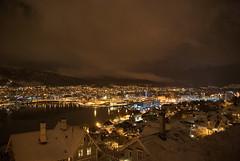 Bergen sentrum -|- Kveld i Bergen (erlingsi) Tags: light dark evening norge bergen lys hordaland kveld fjellveien mrke explored bergenskkveld