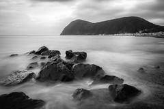 Canneto Lipari (MICTLAN + ART) Tags: bw beach strand islands blackwhite meer mare stones steine shore eolie kste lipari brandung inseln isole canneto