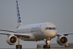 American Airlines N200UU Boeing 757-2B7 Winglets cn/27809-673 @ Taxiway Q EHAM / AMS 29-12-2015 (Nabil Molinari Photography) Tags: american boeing q airlines ams winglets eham taxiway 7572b7 n200uu cn27809673 29122015