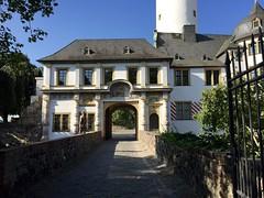 Schloss (ilamya) Tags: germany hchst
