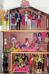 Jem and the Holograms dolls 22-3-16 (tecno_79) Tags: house ingrid dance video riot julian eric doll mary phillips danielle rory du clash phoebe burns 80s minx craig anthony pierce jetta raymond montgomery jem lindsey roxy astral dvorak rapture phyllis synergy misfits hasbro kruger ashe villians grouping roxane regine the llewelyn jemandtheholograms countess stormer stingers voisin pelligrini 80stoys 80scartoon fashiondolls jerricabenton kimberbenton musians integritytoys eldrich cesaire shanaelmsford techrat ethincdolls aamaledoll aafemaledoll riopacheco anjaleith pizzazzgabor rayaalonso