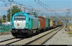 Como en los viejos tiempos (Trenes2000) Tags: madrid verde tren trenes diesel cai contenedores msc pinto teco cma plataformas 335 vossloh comsa uasc trenes2000 335020