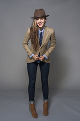 Karyn Bailey 2 (drno_manchuria (simonsaw)) Tags: fashion shirt mujer model chica moda tie modelo chick suit corbata denim sombrero gravata traje necktie terno tomboy camisa vaqueros menswear suited masculina krawatten suitup karynbailey