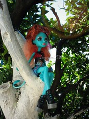 (Linayum) Tags: monster toy doll mh mattel lorna juguete mueca linayum monsterhigh lornamcnessie