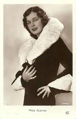 Miss Austria 1931 (Truus, Bob & Jan too!) Tags: beauty fashion female vintage 1930s postcard contest moda beauté miss pageant concours mode bellezza schönheit wettbewerb feminin concorso weiblich femminile misseurope