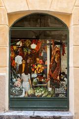 Vucciria (@ntomarto) Tags: street italy painting strada italia quadro sicily palermo vetrina showcase mercato sicilia openmarket vucciria guttuso antomarto ntomarto