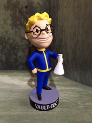 Vault Boy Science (XFrog360) Tags: game box science figure bobblehead vault collectible bethesda vaultboy fallout4 vault111