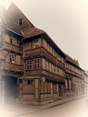 Damals (1elf12) Tags: germany deutschland haus gebude halftimbered renovierung fachwerk truss osterwieck maisoncolombages