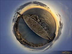 Wee-Planet, digue du port de Nice (Dany-de-Nice) Tags: sunset sea sky cloud sun mer lighthouse france clouds port photoshop coast harbor soleil seaside nice harbour cte fisheye ciel cote nuage nuages 06 phare 15mm hdr dike coucherdesoleil lightroom 6d digue bracketing mditerrane alpesmaritimes autopano borddemer soleilcouchant littleplanet weeplanet petiteplante oloneo