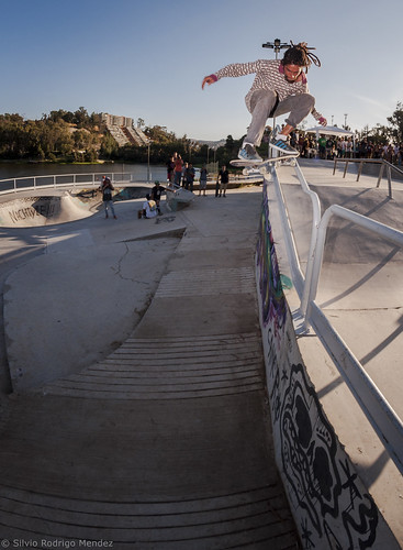 Sergio Salgado - Ollie over Rail