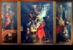 La Descente de Croix, triptyque, Pierre Paul Rubens, huile sur panneau. Bien que la Descente de Croix n'a t ralise que quelques annes (1611-1614) aprs l'Erection de la Croix, elle dnote un style diffrent. L'impression de srnit est plus intense, (Barbara DALMAZZO-TEMPEL) Tags: belgium belgique belgi notredame cathdrale rubens triptyque antwerpen anvers intrieur onzelievevrouwe ladescentedecroix pierrepaulrubens huilesurpanneau