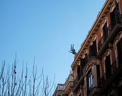 angel cado (sofiadiaz) Tags: madrid edificios cielo estatua angelcaido