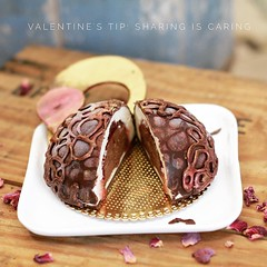 We will be making these cute little gelato cakes which are the perfect Valentine's Day surprise. Follow link in profile to see it all... Yes our Valentine's Day gelato making class is fully sold out but we can still help you make this Valentine's Day spec (bucketandbay) Tags: jerseycity gelato bucketandbay