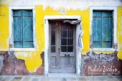 Burano - Venezia - 03 (Michele Zecchin) Tags: door old venice windows italy color window colors yellow italia colore giallo michele venezia colori burano vecchio finestre veneto zecchin tamron2470 nikond750