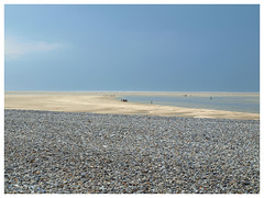 Baie de Somme (abac077) Tags: light sea mer france beach pebbles lumiere 80 paysage plage orage somme galets baiedesomme 2015