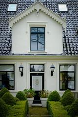 Broek in Waterland (Boudewijn Vermeulen) Tags: door houses house village entrance mansion huis dorp huizen broekinwaterland dorpsgezicht broek