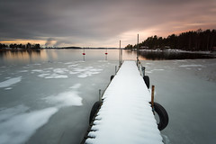 Snowy jetty (- David Olsson -) Tags: longexposure winter sunset mars lake snow seascape cold ice water clouds landscape march nikon sundown cloudy sweden outdoor tires le fx grad buoys vr vnern d800 hammar vrmland 1635 2016 ndfilter blackglass 1635mm gnd leefilters lenr bigstopper davidolsson 06hard 1635vr vstraskagene
