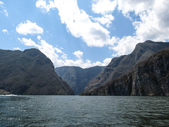 """Cañon del Sumidero <a style=""""margin-left:10px; font-size:0.8em;"""" href=""""http://www.flickr.com/photos/127723101@N04/25713019505/"""" target=""""_blank"""">@flickr</a>"""