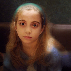 Girl without a Pearl Earring (S amo) Tags: portrait texture girl painting square blond blonde pearl melancholy tableau maid perle textured carr jeunefille mlancolie pearlearing