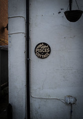 Pisces in March (S's images) Tags: street house sign back pisces isle wight rdde