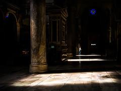 Roma - 2016 (Enzo D.) Tags: italy rome roma church candles italia shadows columns olympus it aisle chiesa marble lazio campidoglio aracoeli navata basilicaofsantamariainaracoeli wwwenzodemartinocom