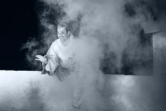 Narrador (Mathas Brea) Tags: teatro social humo virado